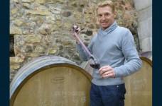 didier-morion-present-sur-le-marche-aux-vins-de-chavanay-depuis-20-ans-photo-vincent-chavagneux-1479278308.jpg